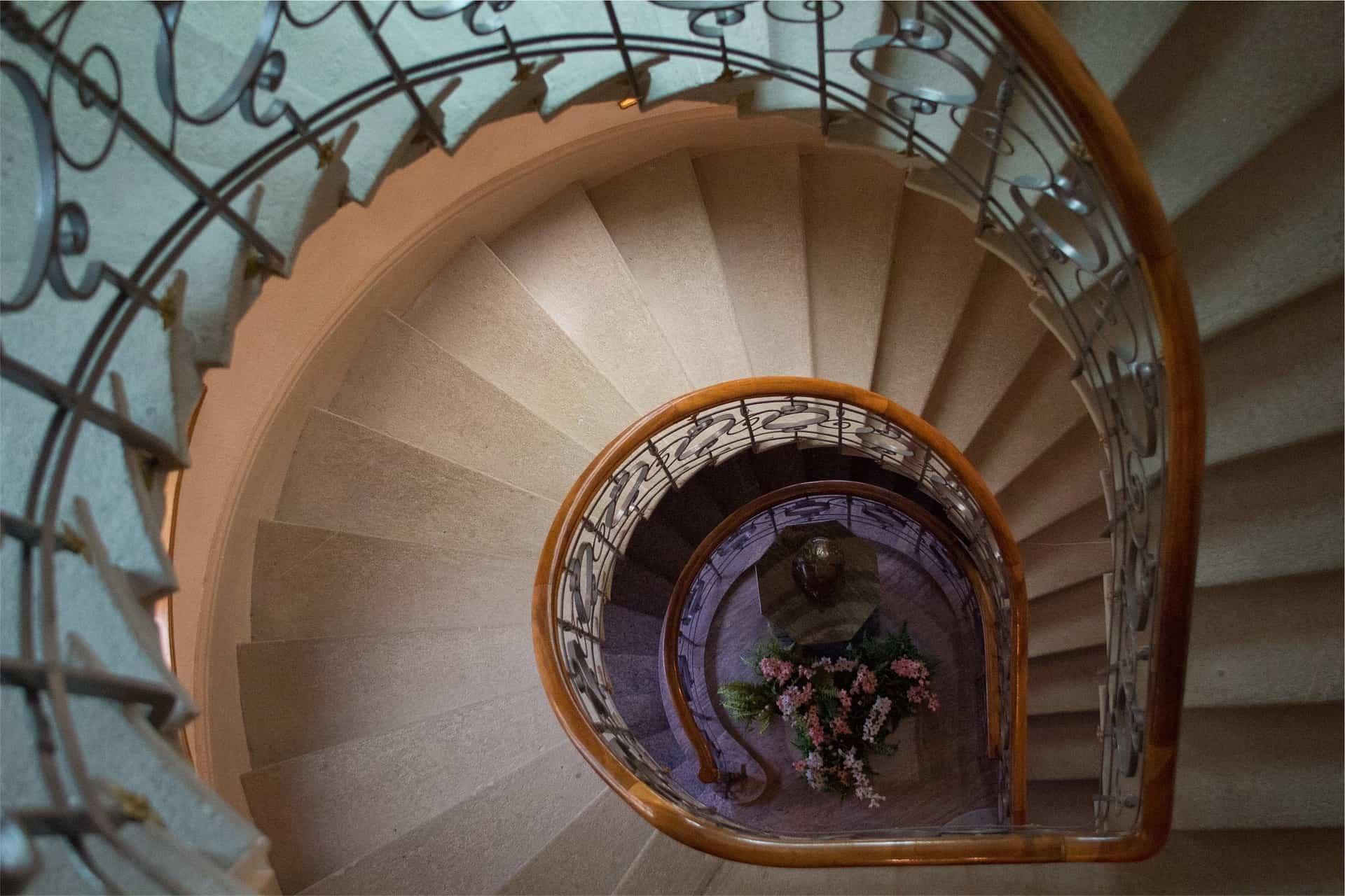 scari interioare in spirala