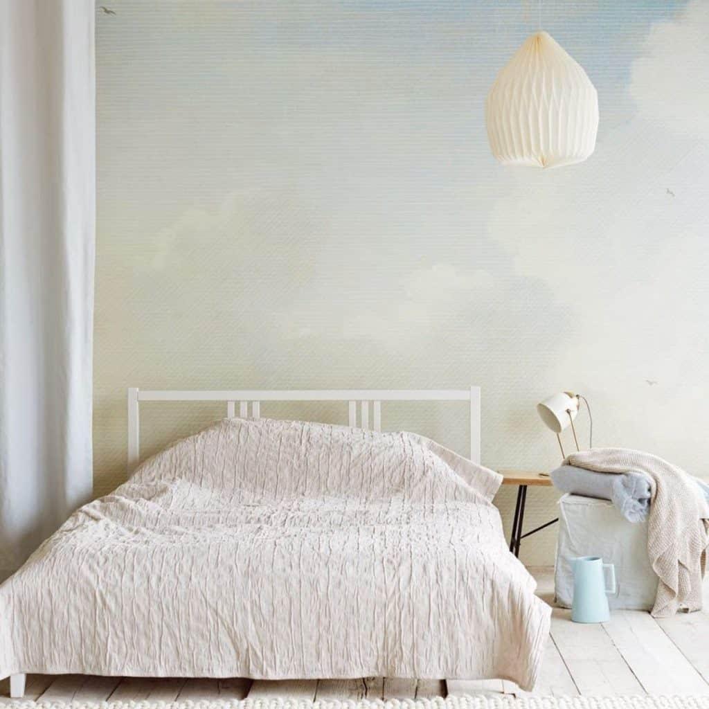 tapet cer si nori pentru dormitor 2020 de culoare albastru saturat cu alb