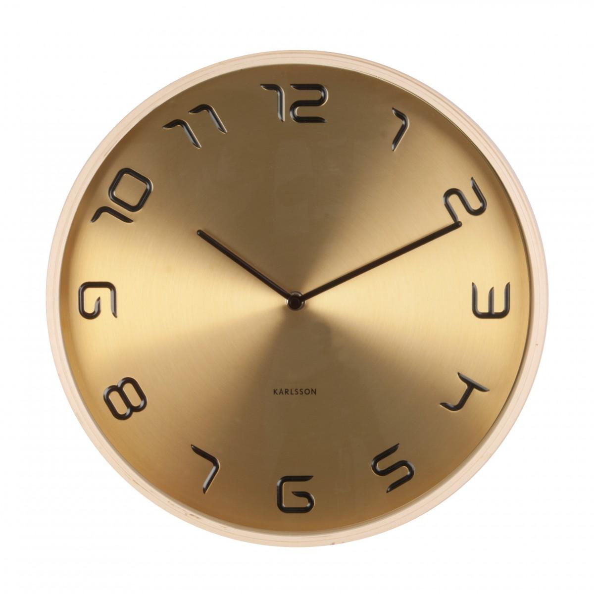 Ceas de perete Bent de lemn auriu, Karlsson