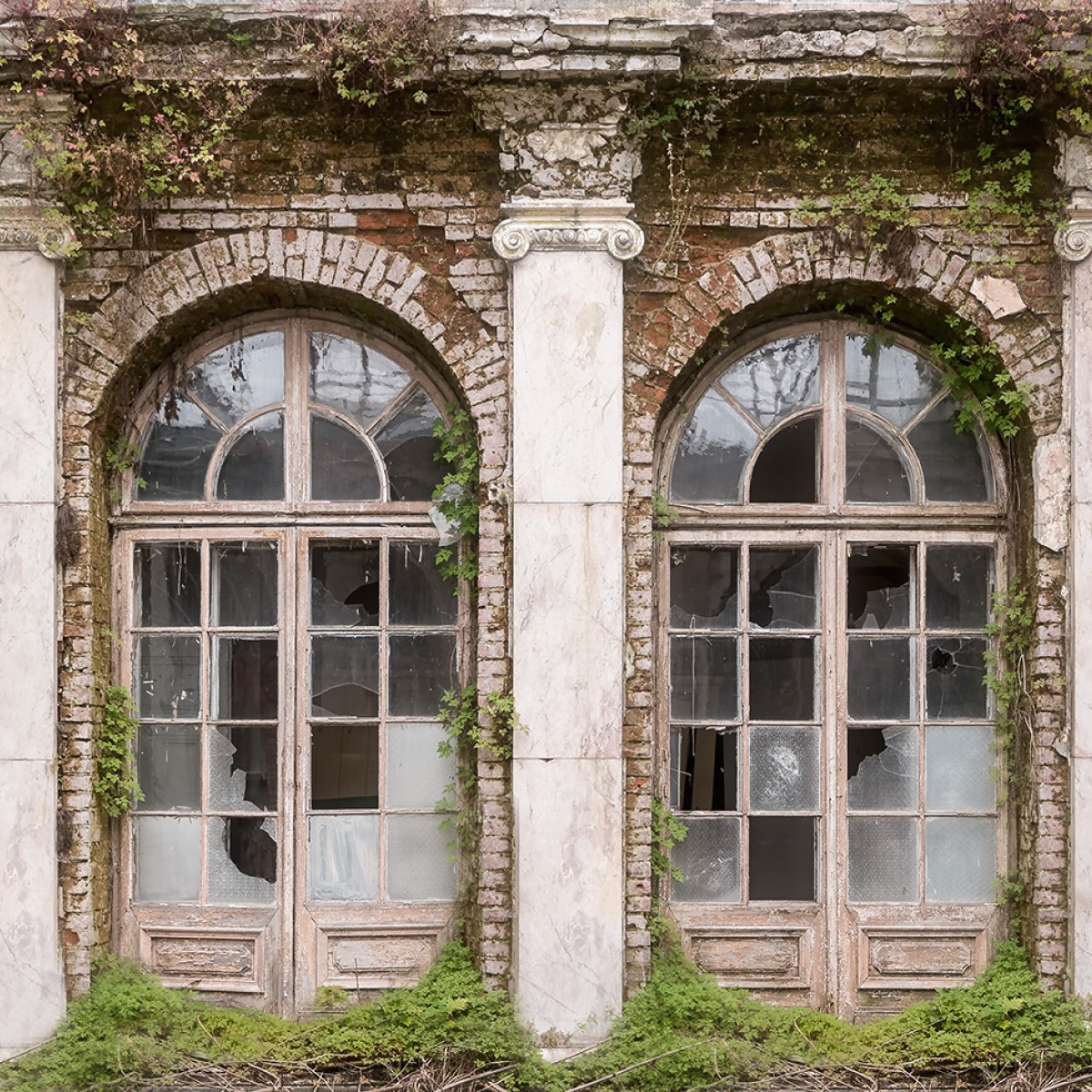 Foto tapet Ruin Romance, personalizat, Rebel Walls