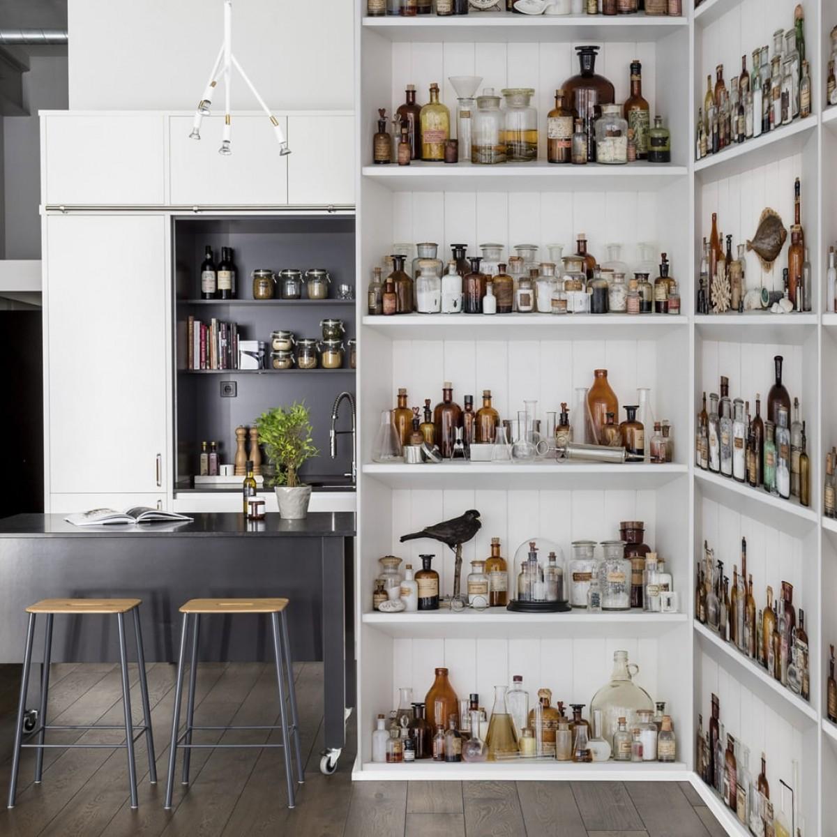 Fototapet Cabinet of Curios, personalizat, Rebel Walls